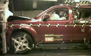 NCAP 2010 Nissan Pathfinder front crash test photo