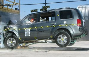 NCAP 2010 Honda Pilot front crash test photo