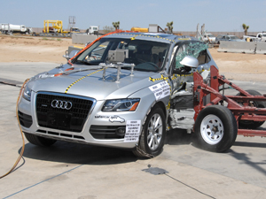 NCAP 2010 Audi Q5 side crash test photo