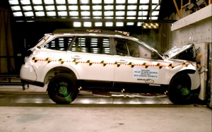 NCAP 2010 Subaru Outback front crash test photo