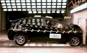 NCAP 2010 Toyota Prius front crash test photo