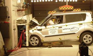 NCAP 2010 Kia Soul front crash test photo