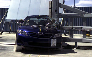 2011 Toyota Camry 4 DR FWD Later Release after side pole crash test
