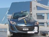 NCAP 2011 Mazda MAZDA3 side pole crash test photo