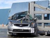 NCAP 2011 Nissan Sentra side pole crash test photo