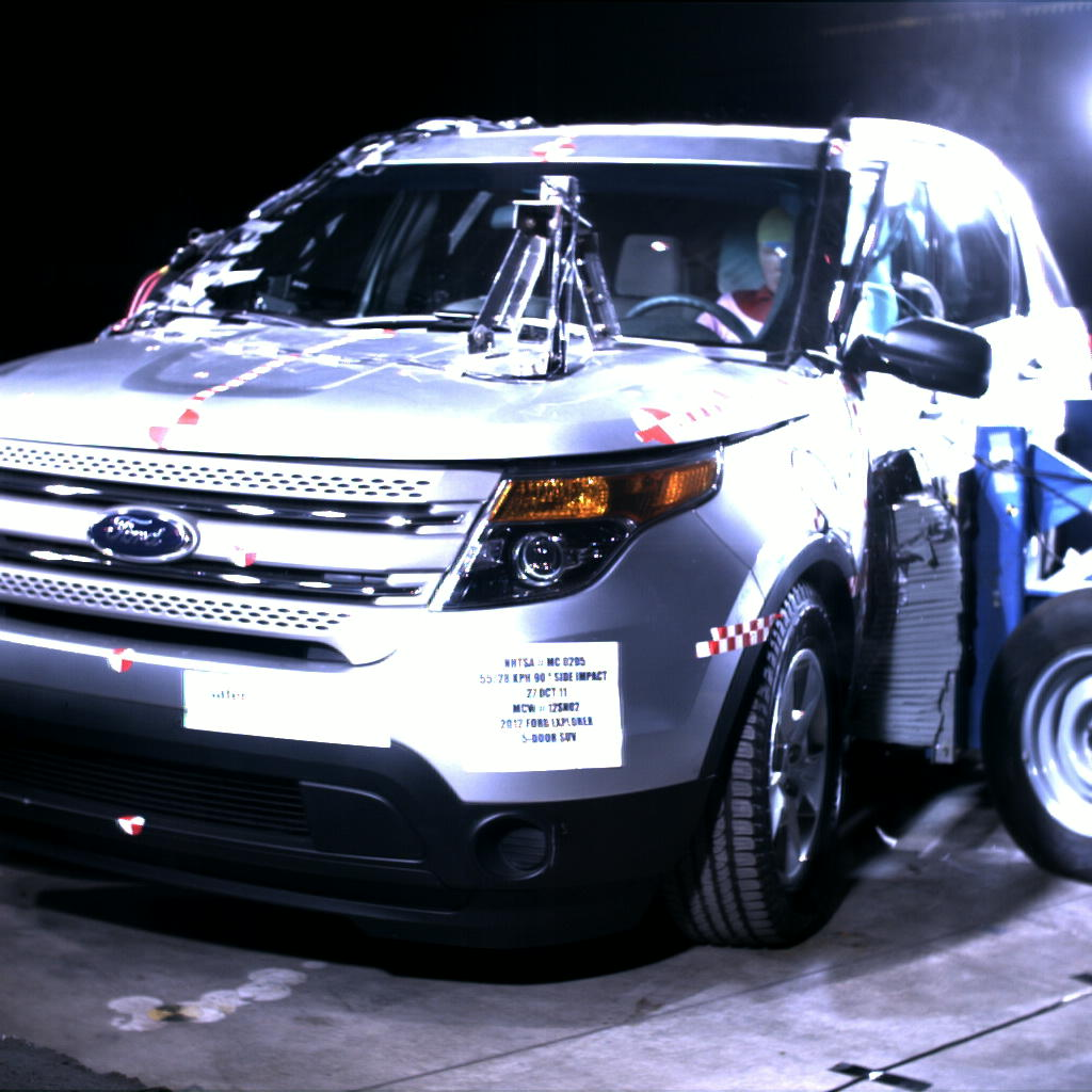 NCAP 2012 Ford Explorer side crash test photo