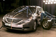 NCAP 2013 Hyundai Sonata side crash test photo
