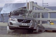 NCAP 2013 Volvo XC60 side pole crash test photo