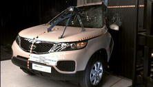 NCAP 2013 Kia Sorento side pole crash test photo