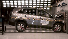 NCAP 2013 Kia Sorento front crash test photo