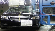 NCAP 2013 Chrysler 200 side pole crash test photo