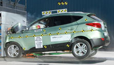 NCAP 2013 Hyundai Tucson front crash test photo