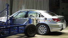 NCAP 2013 Chrysler 200 side crash test photo