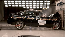 NCAP 2013 Nissan Maxima front crash test photo
