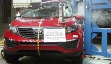NCAP 2013 Kia Sportage side pole crash test photo