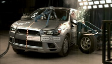 NCAP 2013 Mitsubishi Outlander side crash test photo