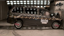 NCAP 2013 Toyota Sienna front crash test photo