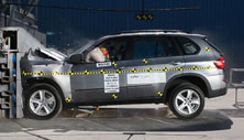 NCAP 2013 BMW X5 front crash test photo