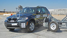 NCAP 2013 BMW X5 side crash test photo