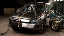 NCAP 2013 Volkswagen Tiguan side crash test photo