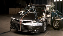 NCAP 2013 Toyota Avalon side crash test photo