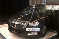 NCAP 2014 Chevrolet Cruze side pole crash test photo
