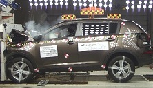 NCAP 2014 Kia Sportage front crash test photo