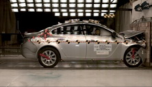 NCAP 2014 Buick Regal front crash test photo