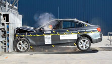 NCAP 2014 BMW 328d front crash test photo