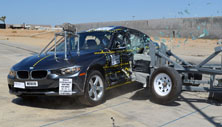 NCAP 2014 BMW 328d side crash test photo