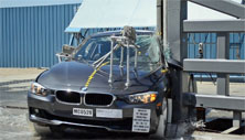 NCAP 2014 BMW 328d side pole crash test photo