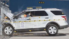 NCAP 2014 Ford Explorer front crash test photo
