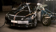NCAP 2014 Nissan Altima side crash test photo