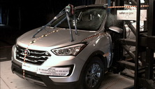 NCAP 2014 Hyundai Santa Fe side pole crash test photo