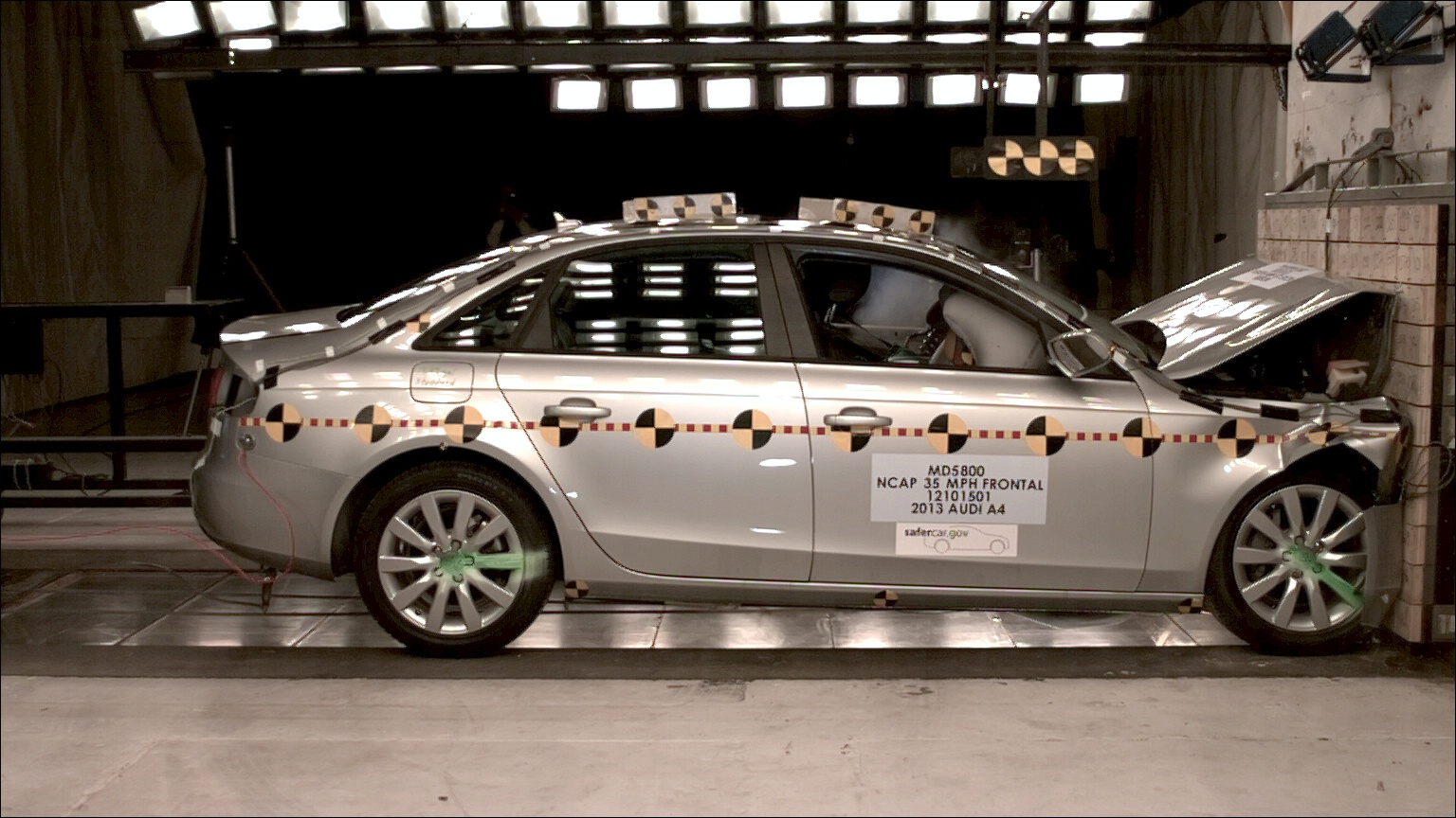 NCAP 2014 Audi A4 front crash test photo