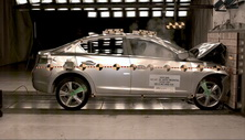 NCAP 2014 Acura ILX front crash test photo