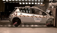 NCAP 2014 Nissan Leaf front crash test photo