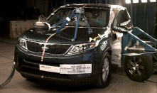 NCAP 2014 Kia Sorento side crash test photo
