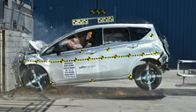 NCAP 2014 Nissan Versa Note front crash test photo