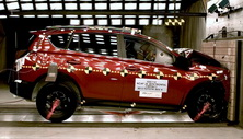 NCAP 2014 Toyota RAV4 front crash test photo