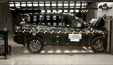 NCAP 2014 Nissan Pathfinder front crash test photo