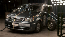 NCAP 2015 Chrysler Town & Country side crash test photo