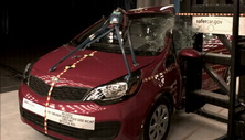 NCAP 2015 Kia Rio side pole crash test photo