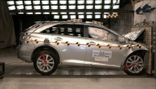 NCAP 2015 Toyota Venza front crash test photo