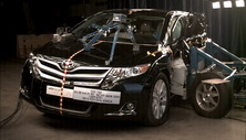 NCAP 2015 Toyota Venza side crash test photo