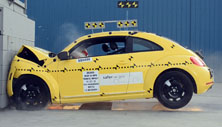 NCAP 2015 Volkswagen Beetle front crash test photo