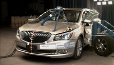 NCAP 2015 Buick LaCrosse side crash test photo