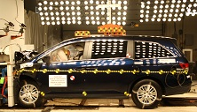 NCAP 2015 Honda Odyssey front crash test photo