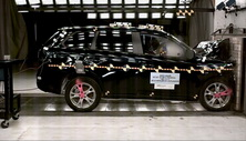 NCAP 2015 Mitsubishi Outlander front crash test photo