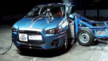 NCAP 2015 Mitsubishi Outlander side crash test photo